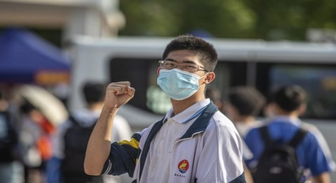 Çin'de 10.78 milyon öğrencinin Gaokao heyecanı başladı