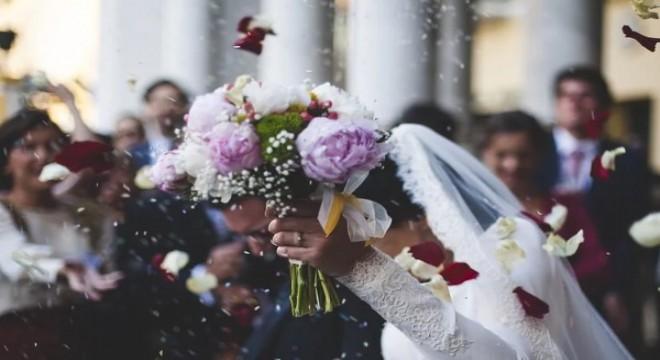 Çin'de 5 günde 400 bin çift evlendi