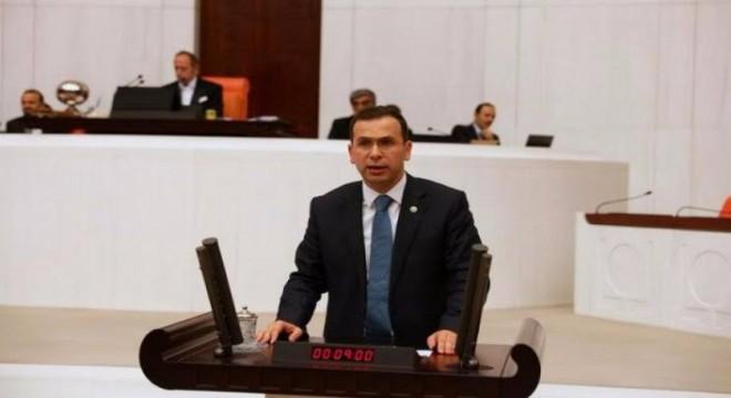 AK Partili Cora sert çıktı