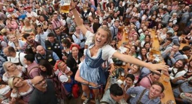 Almanya'nın Münih kentinden dünyanın dört bir yanına yayılan Oktoberfest, 11 Ekim'de Ankara'da da kutlanacak.