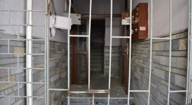 Atıl binayı hırsızlar boşaltıyor
