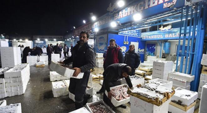 Ankara Büyükşehir Belediyesi Toptancı Hali verilerine göre Başkentlilerin bu ayki gözdesi uygun fiyatı ve lezzetiyle hamsi oldu.