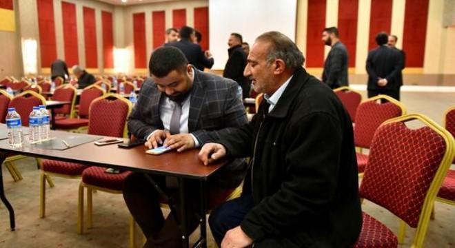 """Ankara Büyükşehir Belediyesi (ABB), ilçe sorunlarına daha hızlı ve kalıcı çözüm bulmak amacıyla muhtarlar için özel olarak tasarlanan """"Muhtar Ankara"""" mobil uygulamasını hayata geçirdi."""