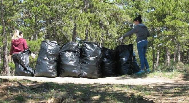 Çöplüğün sebebi duyarsız vatandaşlar