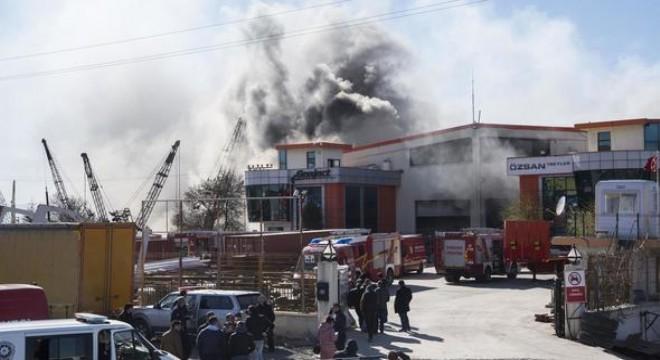 Fabrikada çıkan yangın korkuttu