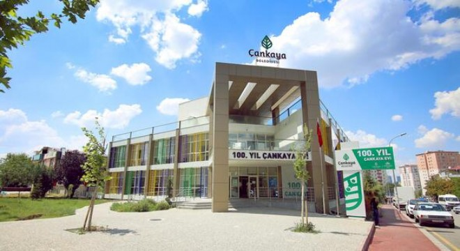 Çankaya Belediyesi'nin ilçenin farklı mahallelerinde kurduğu 27 Çankaya Evi'nde 16 Eylül'de başlaya kurs kayıtlarına ilk gün 11 bin kişi başvurdu.