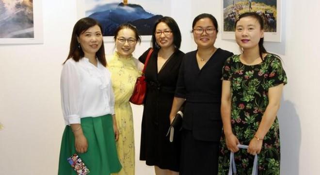 Çin Halk Cumhuriyeti Ankara Büyükelçiliği ve Çankaya Belediyesi iş birliğiyle düzenlenen 'Güzel Şandong, Konfüçyüs'ün Ana Yurdu' fotoğraf ve resim sergisi açıldı.