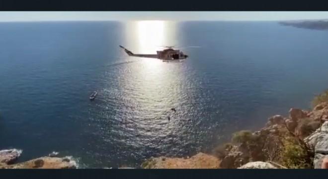 Sahil Güvenlik helikopterinden soluk kesen kurtarma operasyonu