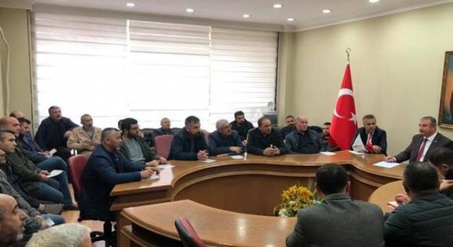 Ankara Mobilyacılar Lakeciler Esnaf ve Sanatkârlar Odası, Siteler esnafına yabancı işçi çalıştırma koşulları ile alakalı bilgilendirme ve eğitim toplantısı düzenledi.