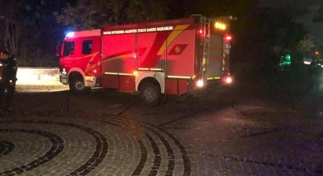 Ankara Kalesi'nde, surlardan kayalıklara düşen 15 yaşındaki Berfin K., ağır yaralandı.
