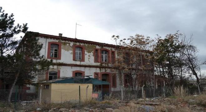 Tarihi binaya kapsamlı temizlik